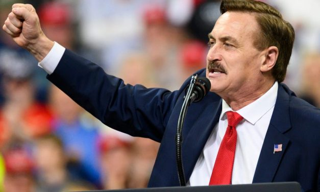 """MyPillow CEO Mike Lindell Breaks With """"Commie-Lover"""" Trump"""